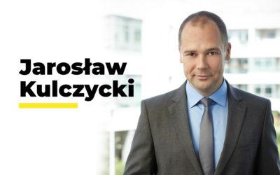 NATURALNOŚCI MOŻNA SIĘ NAUCZYĆ – mówi Jarosław Kulczycki, dziennikarz i trener medialny